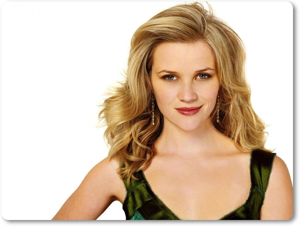 reese-witherspoon-american-actress-smile-blonde-hairstyle-1152x864-min
